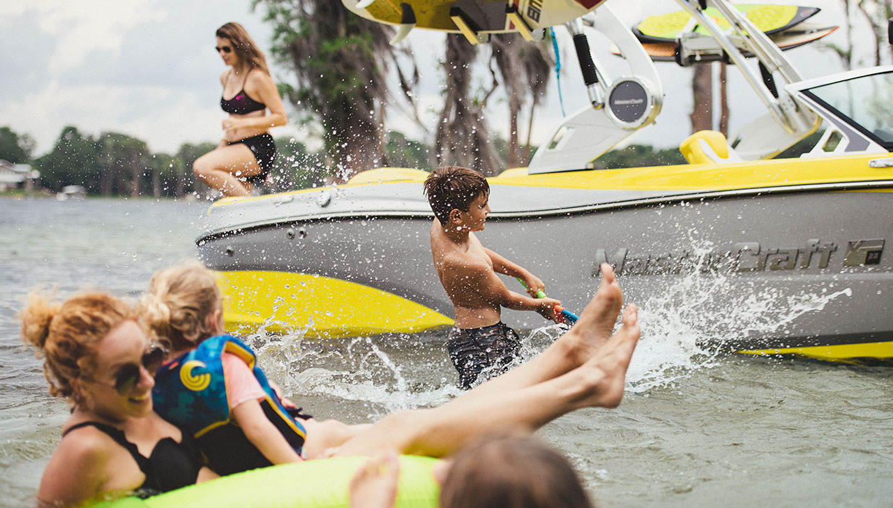 Las Vegas Water Sports - Lake Mead water ski